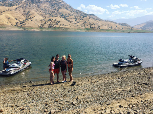 Kaweah lake, jízda po Kalifornii v Kabrioletu, Anthony v Bratislavě + Link crew & americkýfotbal